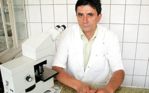 Д-р Камен АВРАМОВ